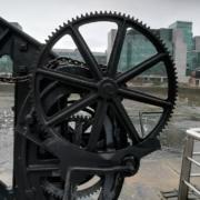 Circular bridge lift mechanism
